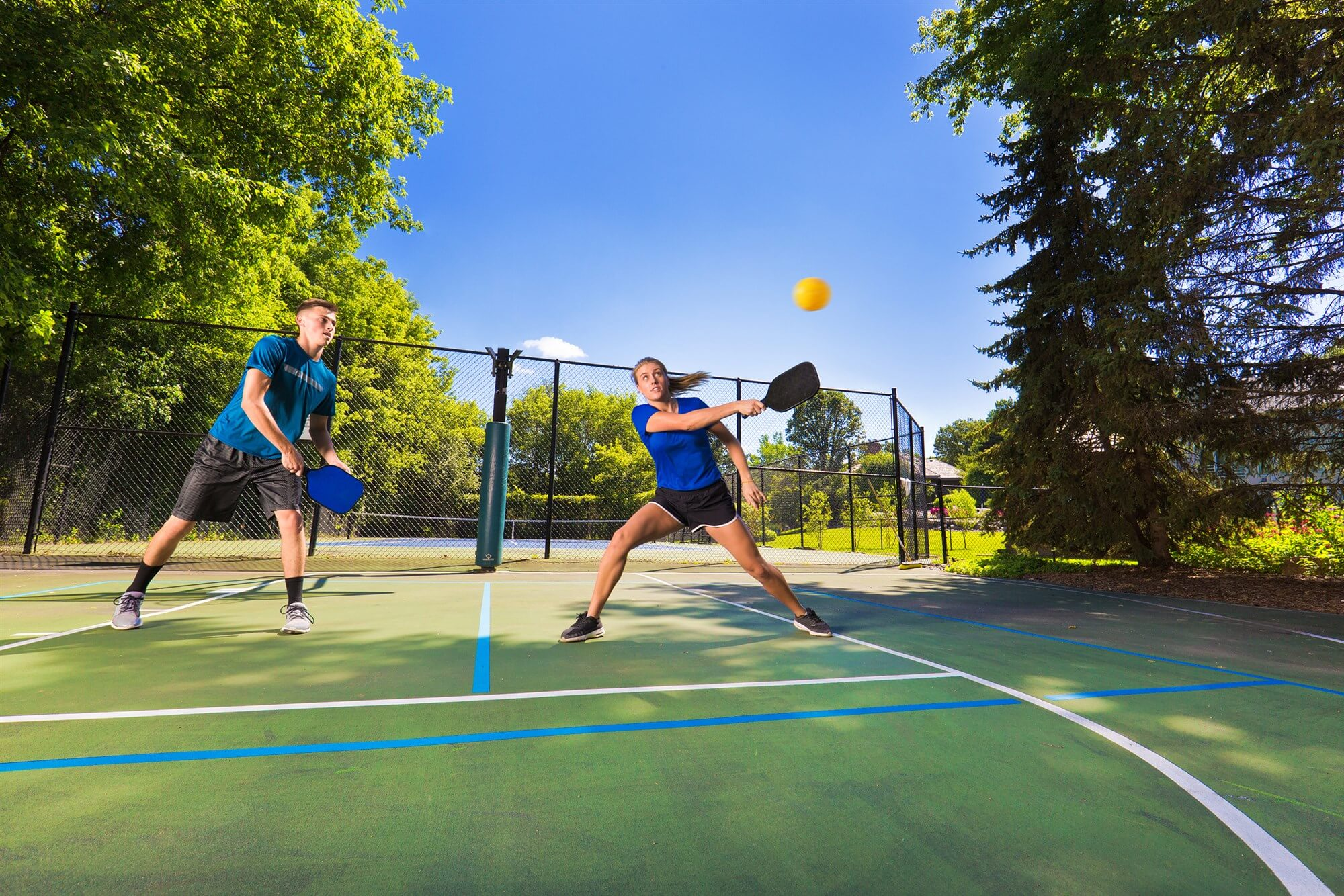 Is pickleball similar to paddle tennis